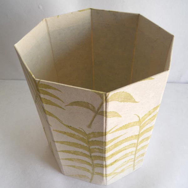 100% hemp paper given real leaves impressions dustbin