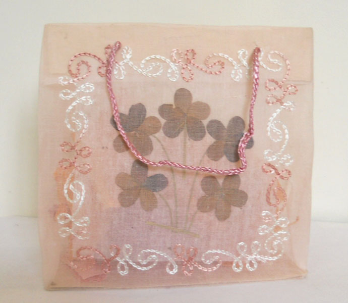 embroider dried flowers work placed bag