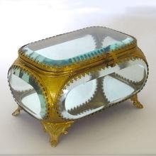 Bevelled glass box