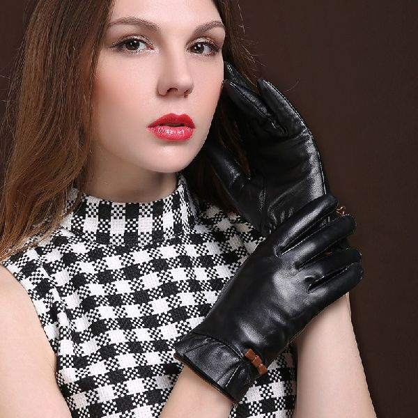 detailing pick up delicate colors Ladies Leather Gloves Manufacturer in Sindh Pakistan by ...