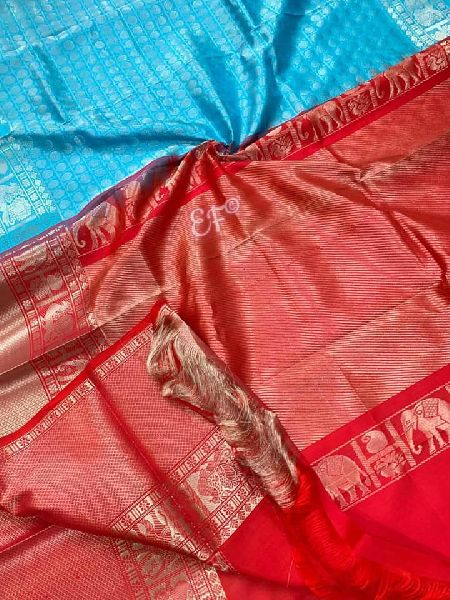 Traditional And Elegant Kanchi Designer Pattu Sarees with contrast blouse