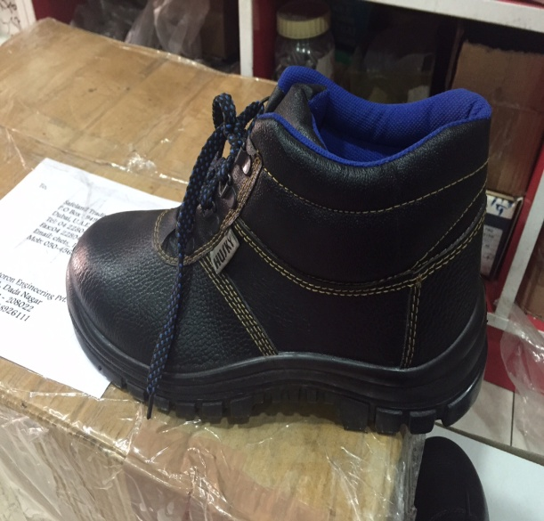 Safety Shoes and GUM BOOTS