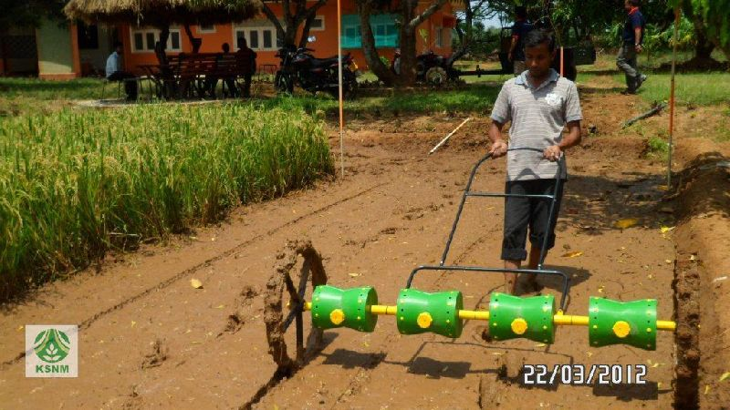 Manual rice seed drill machine (DPS 20)