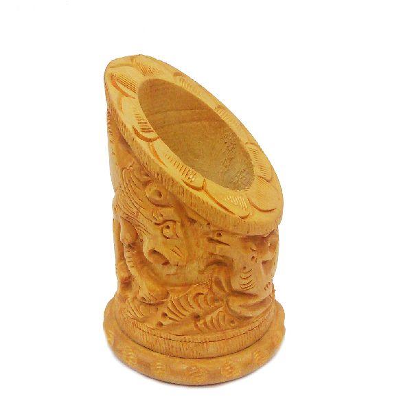 Brown wood handicraft pen stand