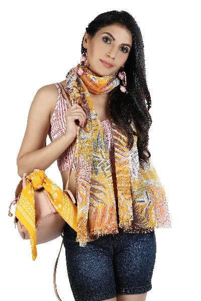 voile printed with lurex Scarves (0W9A3385)