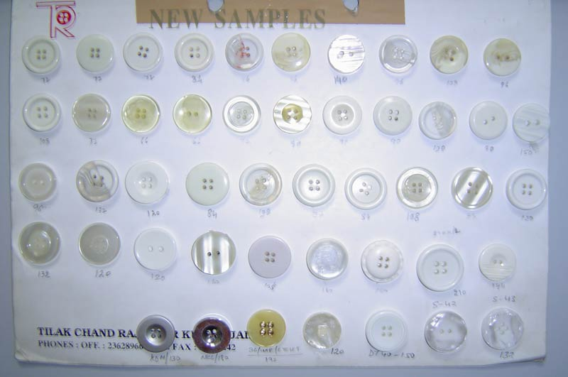 Polyester Buttons (Big Sizes -28,32,36,40Ligne)