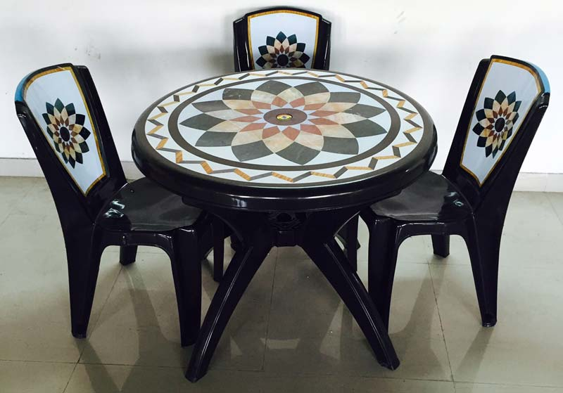 Injection Molded Plastic Dining Table Manufacturer inKolkata West