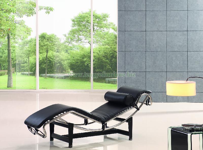 Le-Corbusier Chaise Lounge Chair (LC-008)