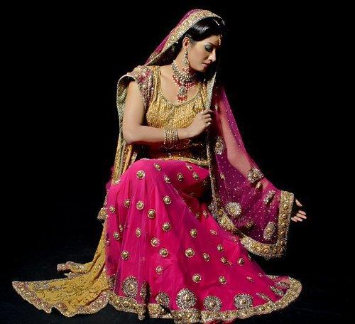 a2101533a6 Bridal Lehenga Choli Manufacturer in Delhi India by Bharti Fashions ...
