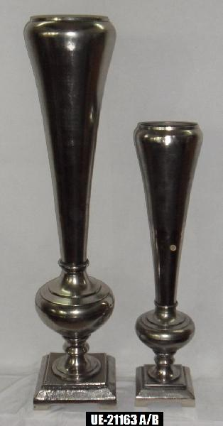 Trumpet Vase with Square Base