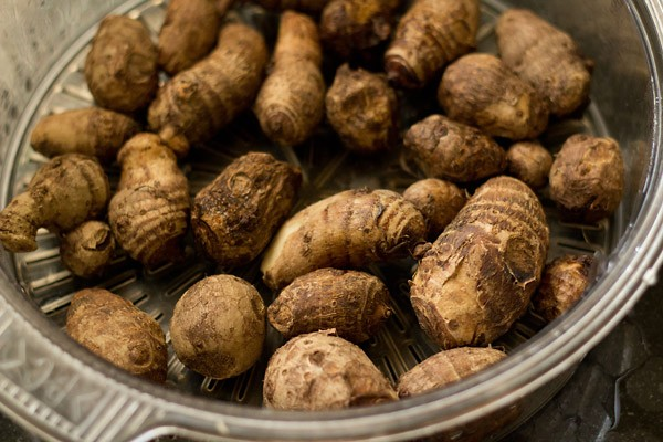 Fresh Taro Roots