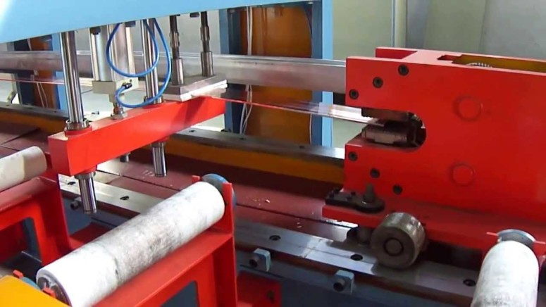 DRAW BENCH MACHINE