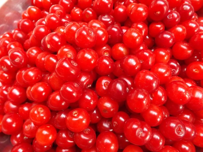 Canned Cherry Without Stem