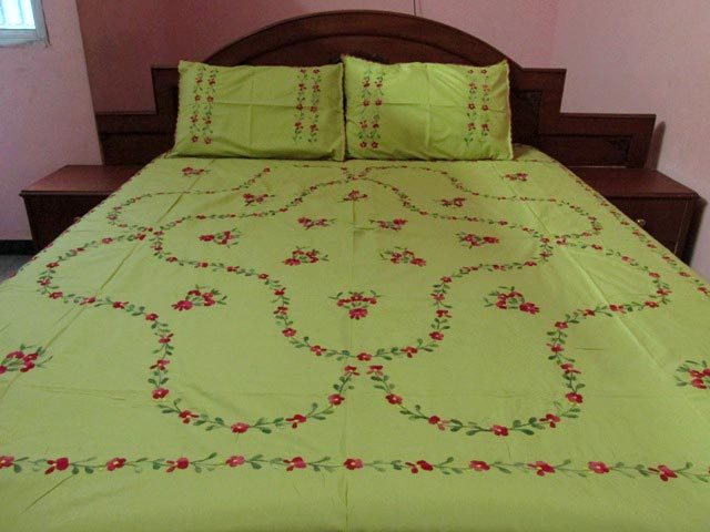 Hand Embroidery Bed Cover (5030)