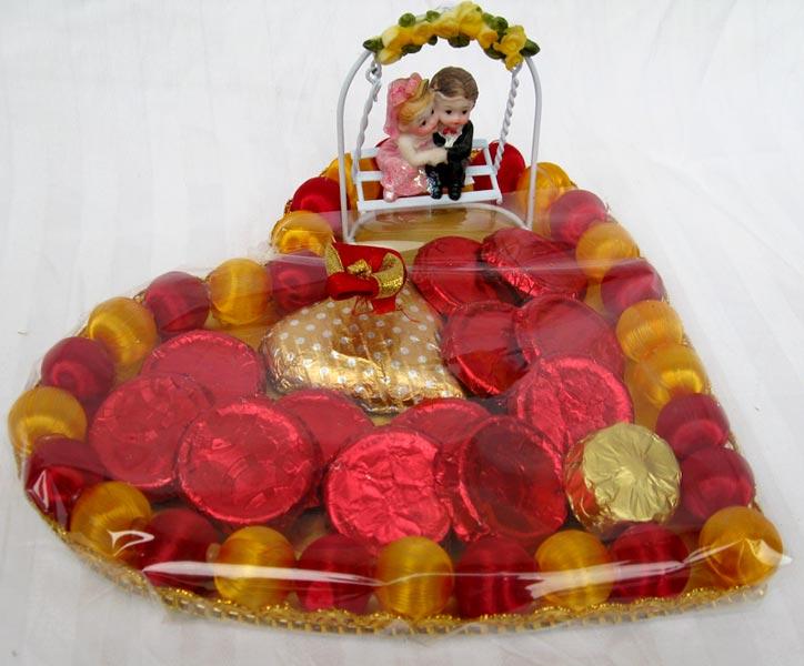 Buy Valentine S Day Chocolate Gift Basket From Nirali Chocolate