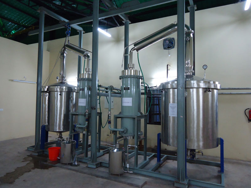 Agarwood Oil Distillation Plant (24)