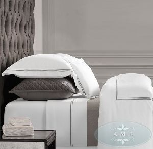 Hotel Satin Stitch White Duvet Cover