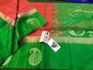 Gadwal Soft Silk Sarees With Pallu Color Plain Blouse