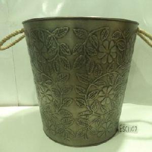 Embossed Pot