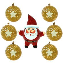 Glittery Golden Balls Christmas Tree