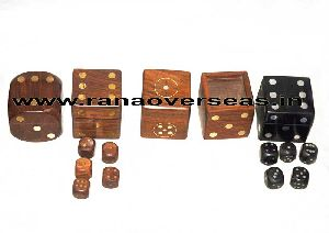 Wooden Dices Box With Dice