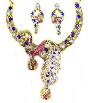 Metal & Artificial Necklaces