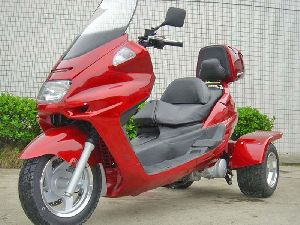 High Quality Trike Moped Motor Bike 150cc Touring Gas Motor Scooters