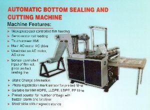 Automatic Bottom Sealing & Cutting Machine