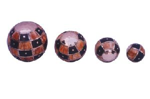 Gifts Items Furniture - Wooden Decorative Balls