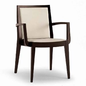 CONTEMPORARY SOLID WOOD ARM CHAIR