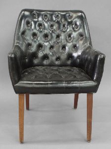 DIAMOND TUFTED BLACK LEATHER CHAIR