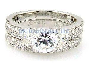 1.05 Ct. Diamond & 18KT White Gold Engagement Ring Set