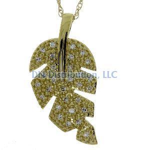 .10 Ct Diamond &  10KT Yellow Gold Pendant