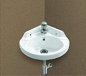Ceramic Corner Wash Basin