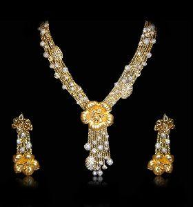 Golden Flower Diamond Necklace Set