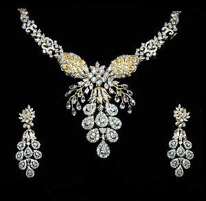 Raving Beauty Diamond Necklace Set