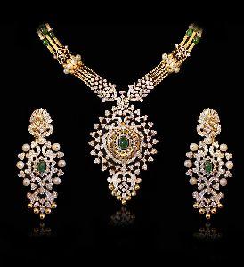 Spread Flower Diamond Necklace Set