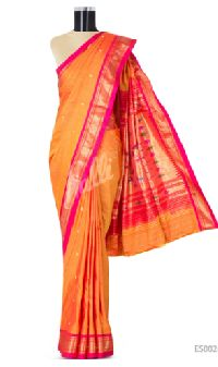 Red Dual Tone Paithani Silk Saree