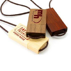Usb Drive Key Chain Wooden Design