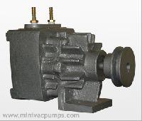 oil lubricated vacuum pumps