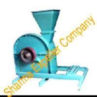 Copra Cutting Machine