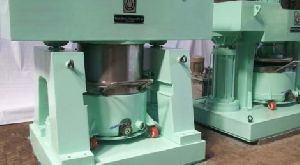 Double Planetary Mixer With Hydraulic Discharge System