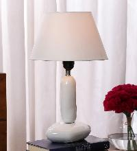 Pebble White Ceramic Lamp