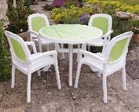 Surprise Outdoor Plastic Chairs