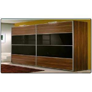 Lacquered Glass Sliding Wardrobe