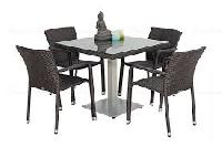 Outdoor Dining Sets From Featherlite