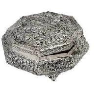 Box In White Metal Jewelry Box