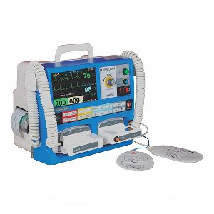 Biphasic Defibrillator And Multipara Monitor