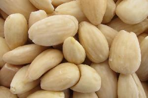 Blanched Almond Nuts
