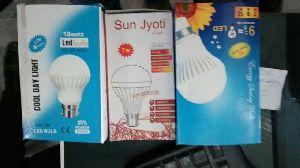 12 Watt LED Bulb 03